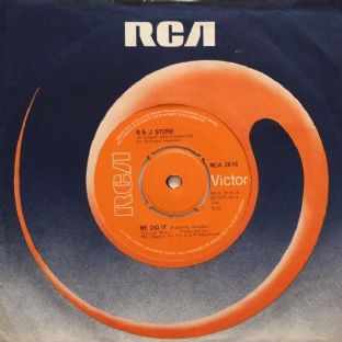 "R & J Stone ‎- We Do It (7"") (G+/VG)"